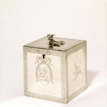 Tea Canister by Louisa Courtauld, London, 1773-74, M.28-1934 © Victoria and Albert Museum